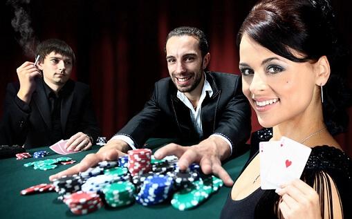 jugar poker caribeño gratis